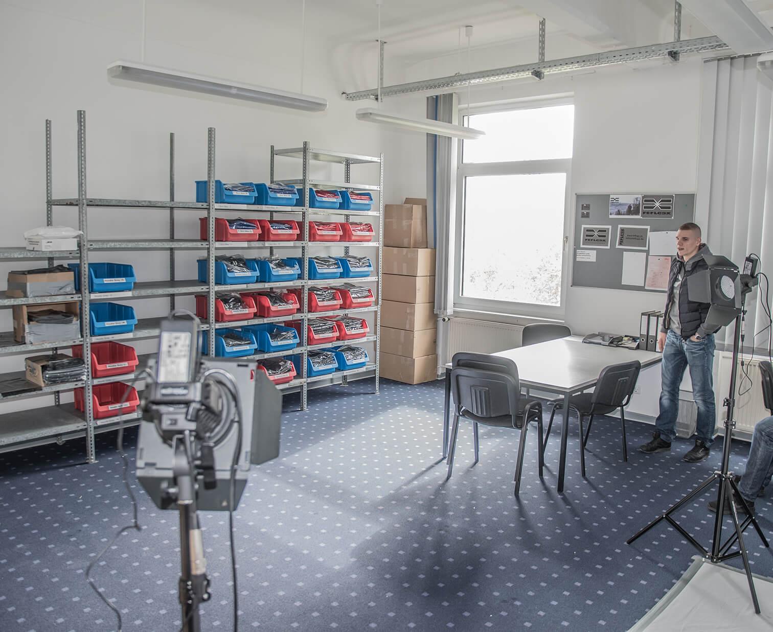 Lager von FEFLOGX Sportswear (1).