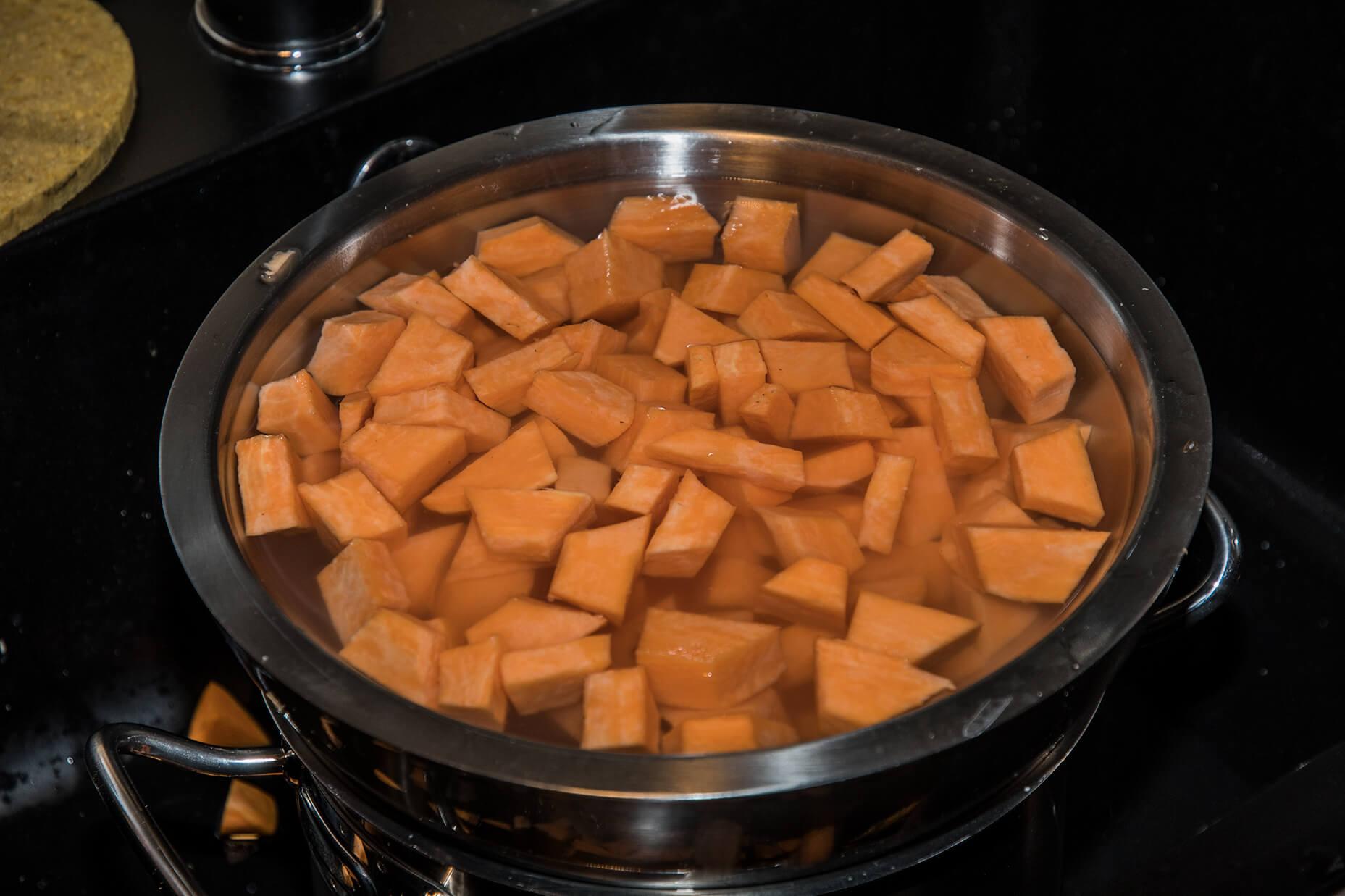FEFLOGX gesundes Essen, Süßkartoffeln zubereiten (2).