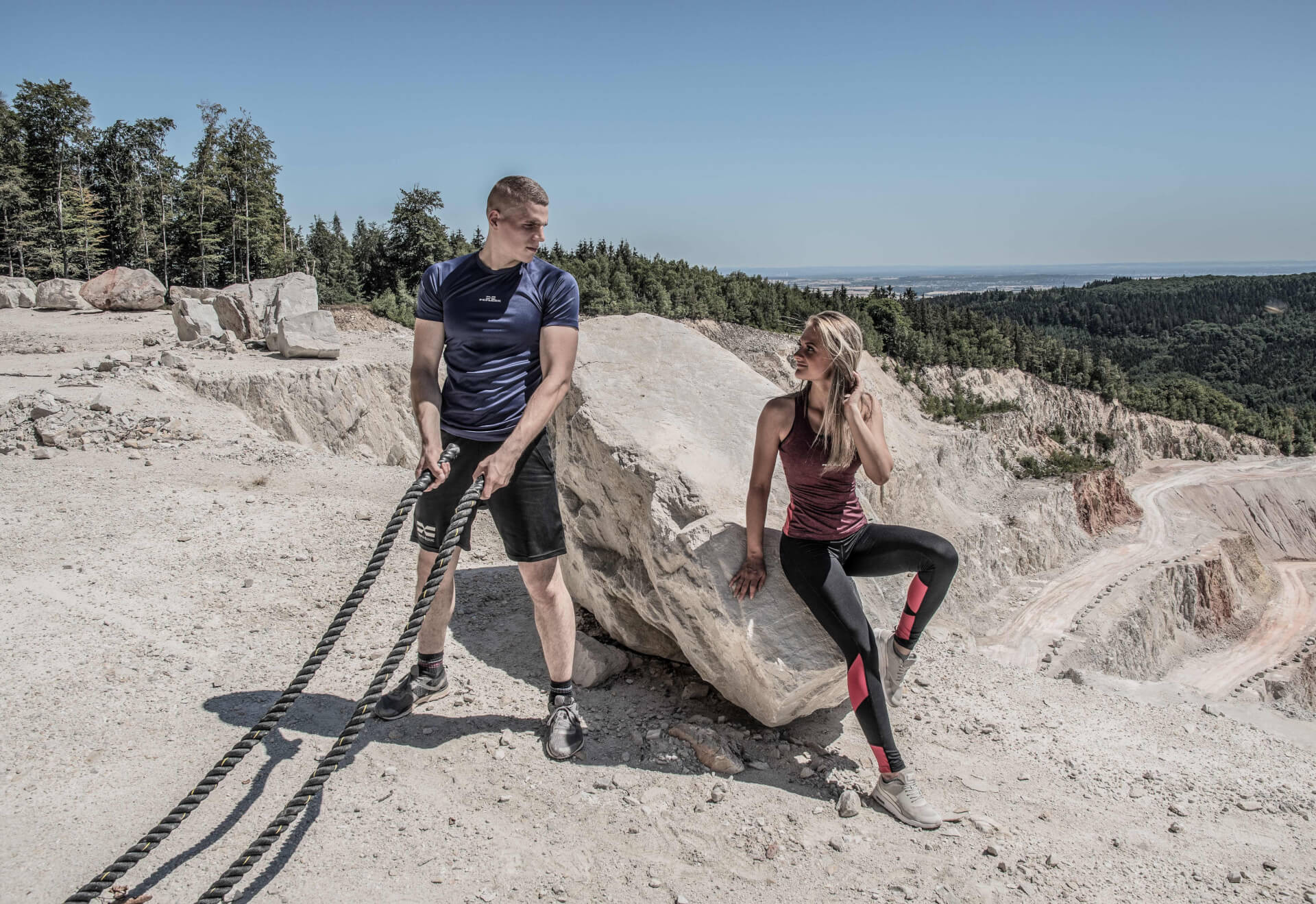 FEFLOGX Sportswear Pure Motion Kollektion für Damen und Herren, Couple Workout (1).