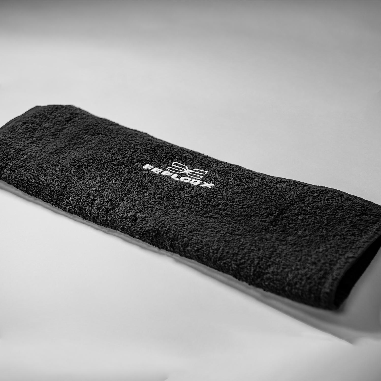 FEFLOGX Sportswear x Pride Gym Handtuch, Fitness Towel, gefaltet.