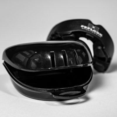 FEFLOGX Sportswear Multi-Mouthguard, Multifunktionaler Mundschutz für alle Kontaktsportarten, vordere Ansicht, mit Aufbewahrungsbox (1).