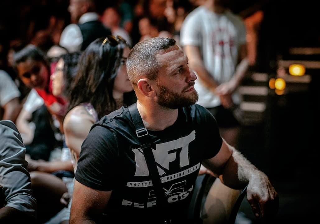 Weltklasse Ringer & MMA-Fighter Max Schwindt aus dem NFT-Gym aus Krefeld, FEFLOGX Sportswear.