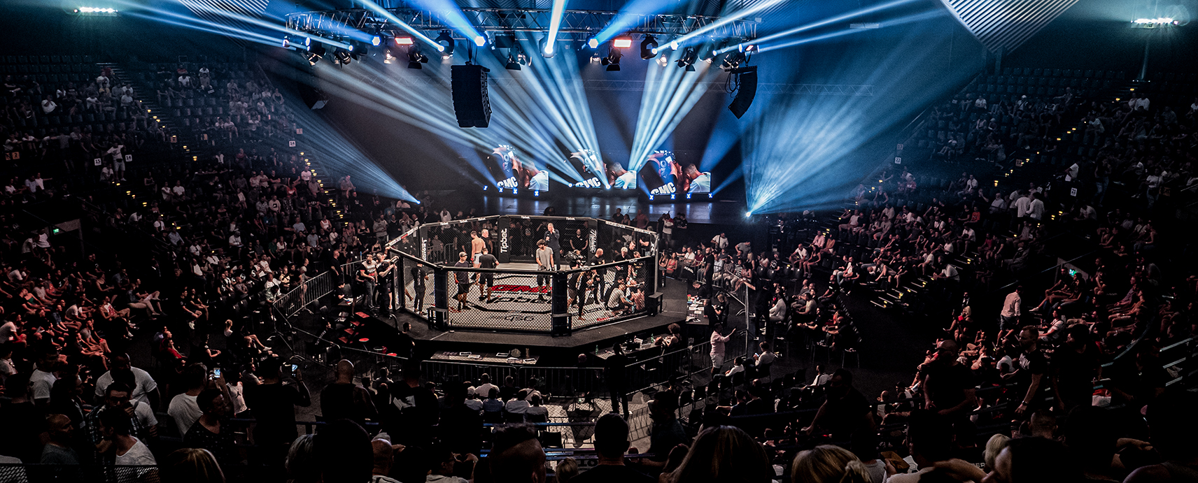 German MMA Championsship GMC, FEFLOGX Sportswear, Octagon, MMA-Cage, Ranfighting.