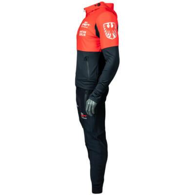 Support Trainingsanzug KSW MMA Fighter Christian Eckerlin, Zip-Hoody & Trainingshose/Jogginghose, MMA Spirit, Zec Plus, FEFLOGX Sportswear, linke seitliche Ansicht.